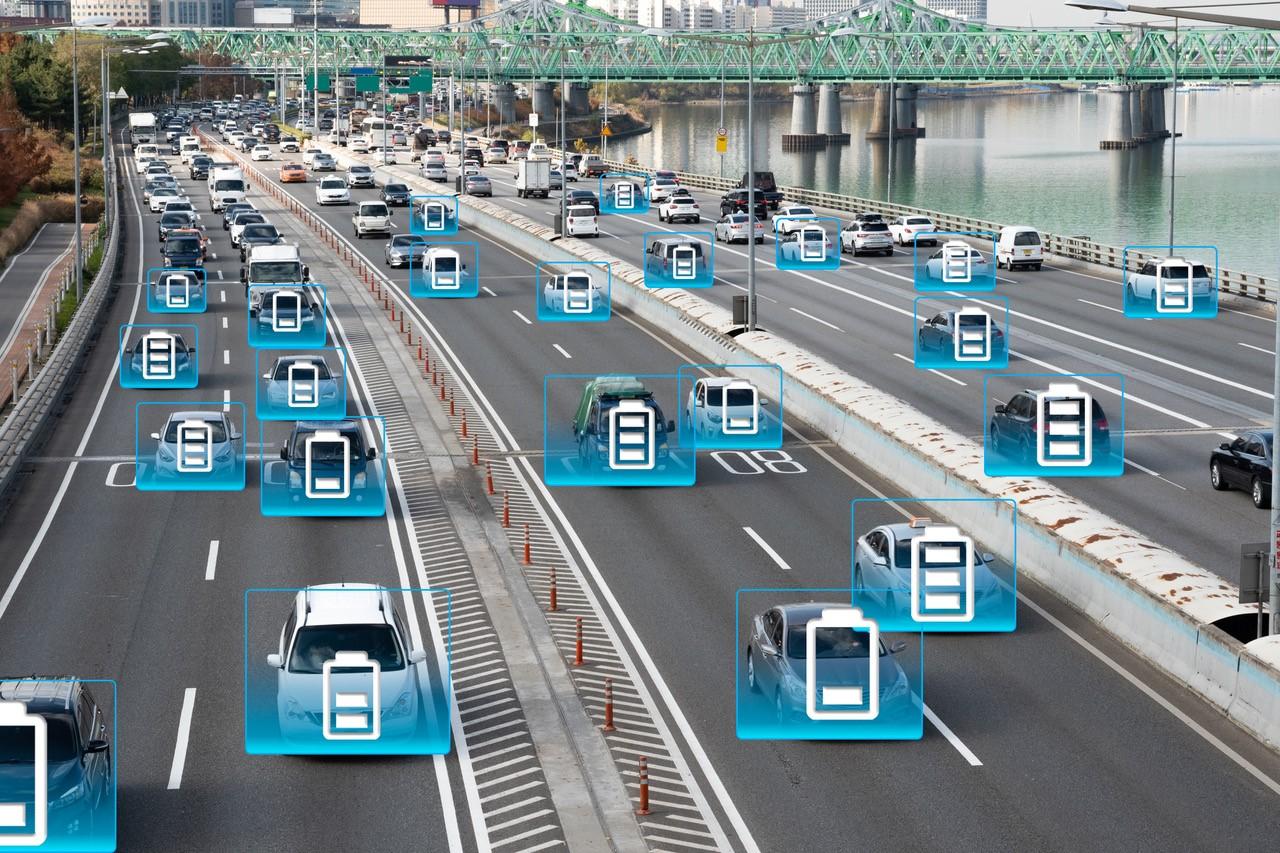 Utvikler veier som kan lade bilen under kjøring